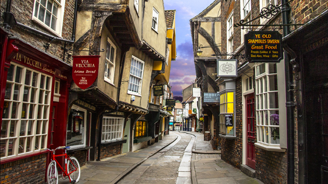 THE SHAMBLES IN YORK – DIAGON ALLEY?